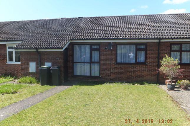 Terraced bungalow to rent in York Crescent, Claydon