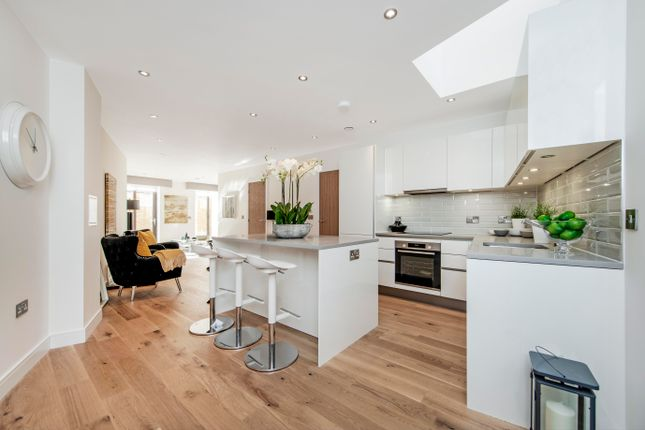 Thumbnail Duplex for sale in Old Ford Road, London