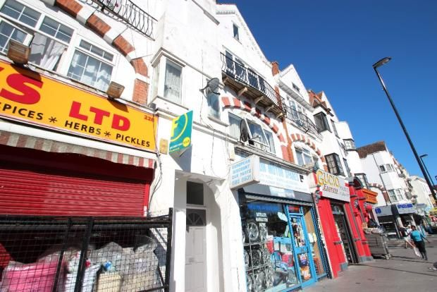 Thumbnail Flat for sale in London Road, Croydon