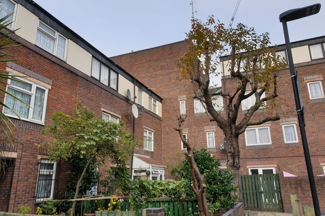 Thumbnail Terraced house for sale in Croft Street, Tower Hill, London