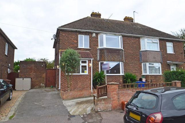 3 bed semi-detached house to rent in Swale Avenue, Queenborough ME11