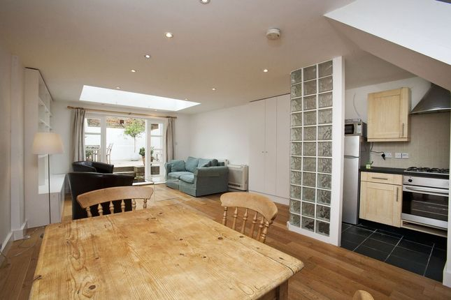 1 bed flat to rent in Webb's Road, London SW11