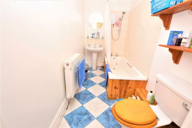 Bathroom of King John Terrace, Heaton, Newcastle Upon Tyne NE6