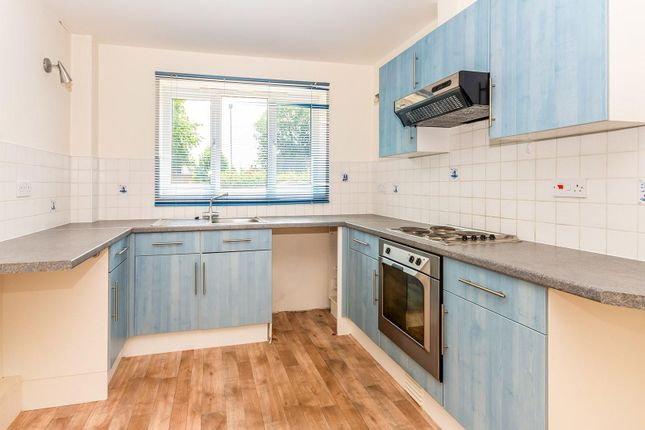 Thumbnail Flat to rent in Manor Way, Deeping St. James, Peterborough