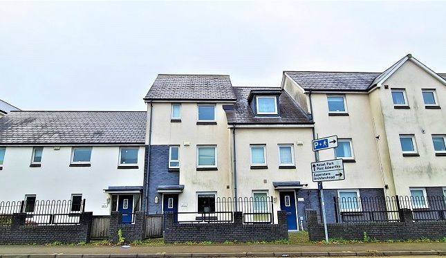 3 bed town house for sale in Brunel Way, Pentrechwyth, Swansea SA1