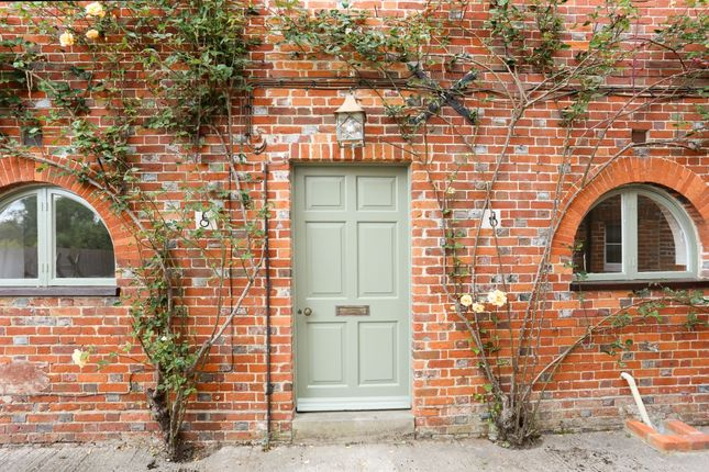 3 bed flat to rent in High Street, Ramsbury, Marlborough SN8