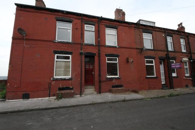 4 bed terraced house to rent in Marley View, Beeston, Leeds