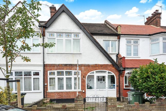 3 bed terraced house for sale in Gracefield Gardens, London