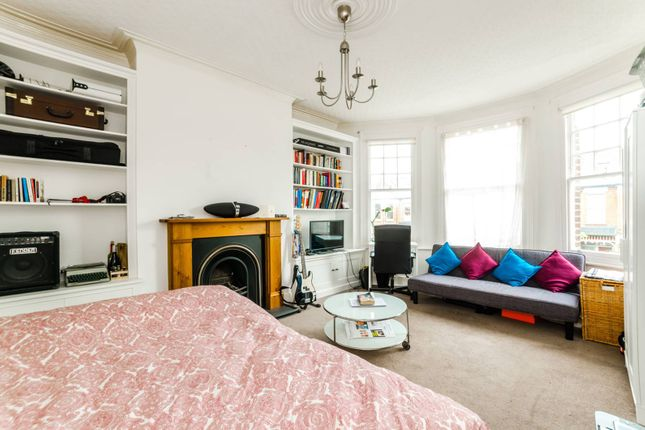 Thumbnail Maisonette to rent in Sedgemere Avenue, East Finchley