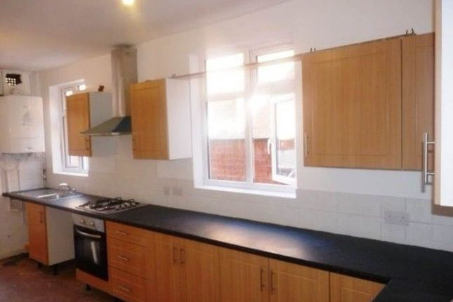 Thumbnail Semi-detached house to rent in Beckingham Road, Leicester