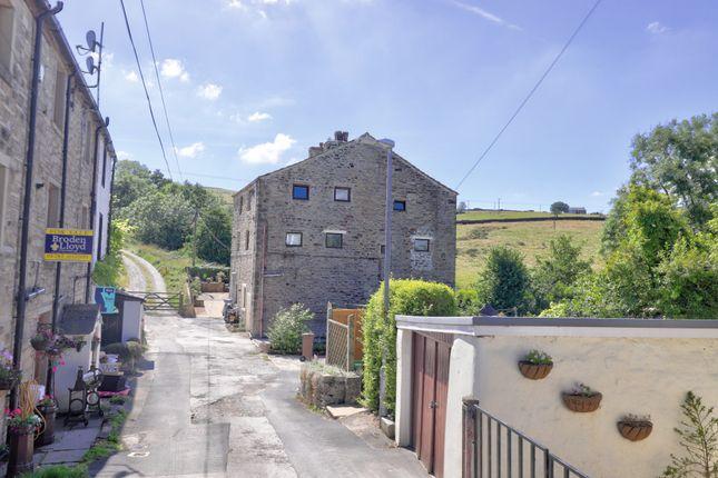 Rural Setting of Gillians Lane, Barnoldswick BB18