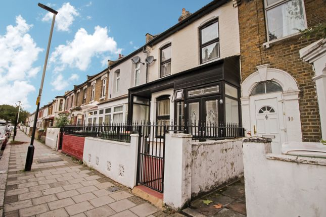 Thumbnail Flat to rent in Sandringham Road, Forest Gate, London