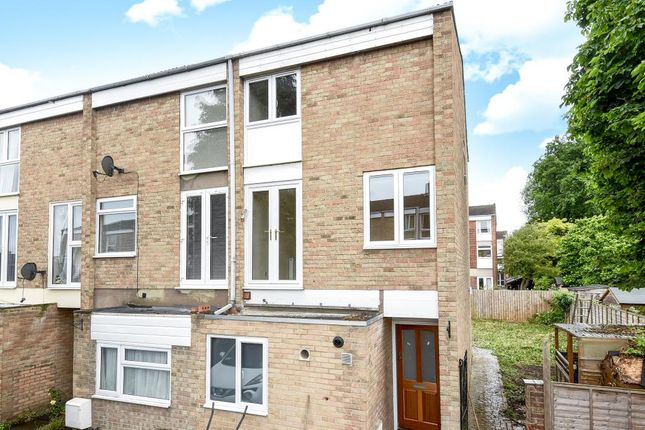 5 bed semi-detached house to rent in Harefields, North Oxford
