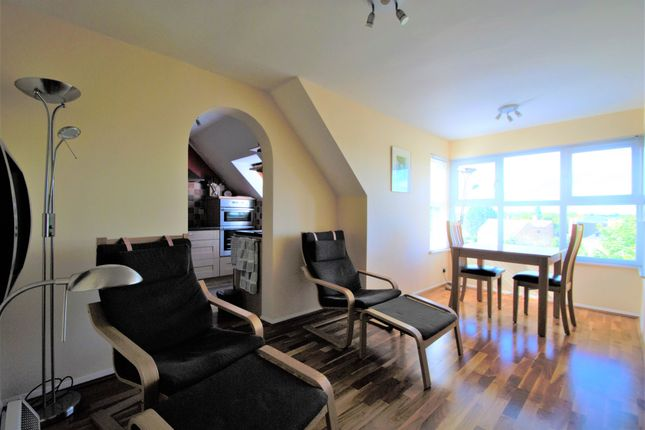 Thumbnail Flat for sale in Pursewardens Close, London
