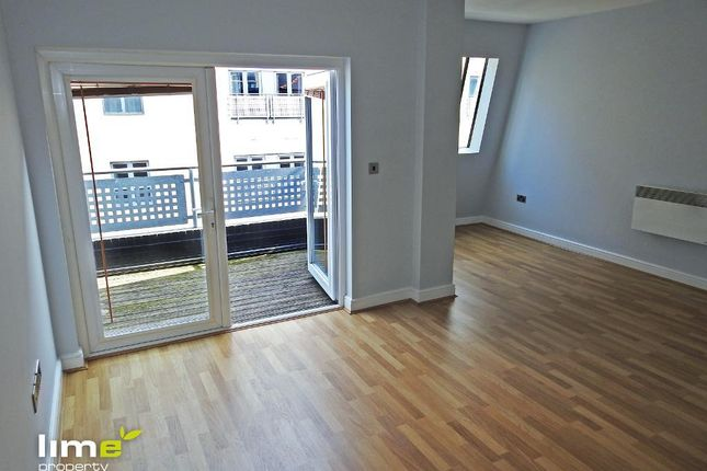 Thumbnail Flat to rent in The Dock House, Dock Street, Hull