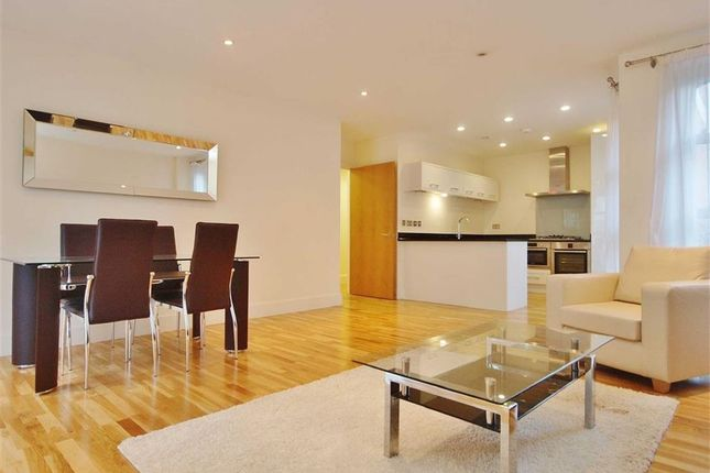 2 bed flat to rent in Westrovia Court, Pimlico, London