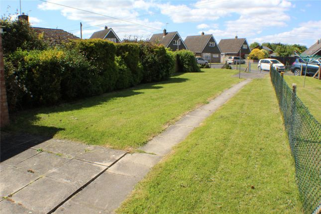 Thumbnail Semi-detached house to rent in Drakes Avenue, Devizes, Wiltshire