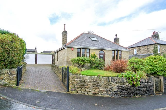 Thumbnail Detached bungalow to rent in Wadman Road, Scholes, Holmfirth