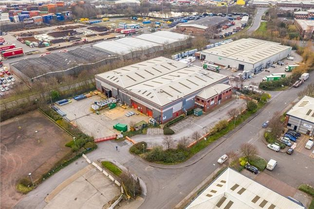 Light industrial to let in Unit 4 Waterside Industrial Park, Leeds, West Yorkshire