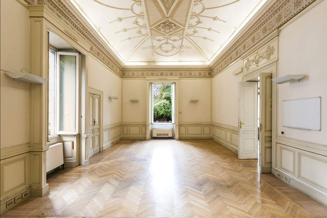Thumbnail Town house for sale in Via Piemonte, Roma Rm, Italy