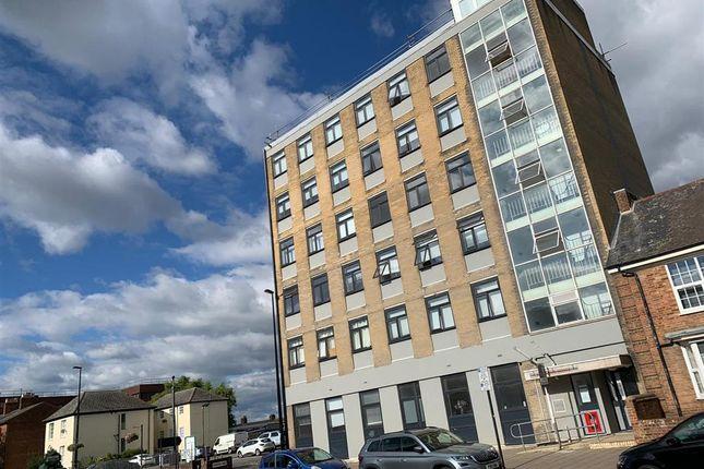 1 bed flat to rent in Buckingham Street, Aylesbury HP20