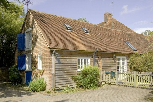 Thumbnail Cottage for sale in Hook Road, North Warnborough, Hook
