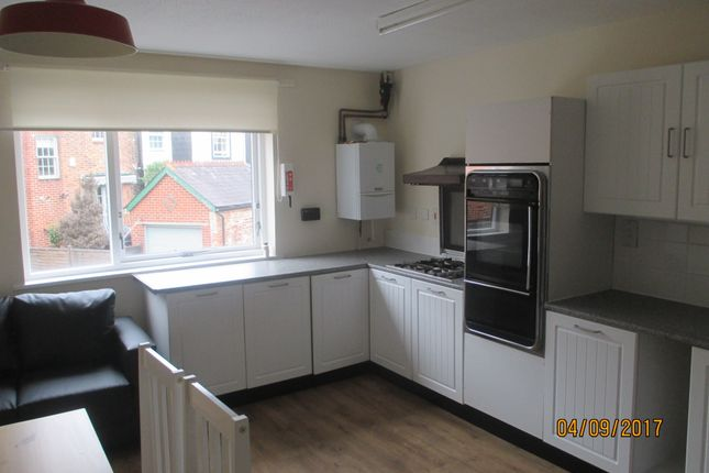 Thumbnail Town house to rent in Castle Road, Southsea