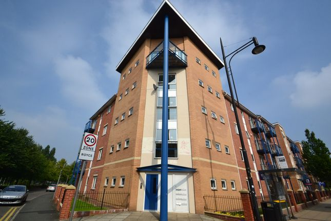 3 bed flat to rent in 290 Stretford Road, Hulme, Manchester M15