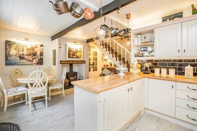 Kitchen/Dining of Whitehill Cottages, Whitehill Drive, Halifax, West Yorkshire HX2