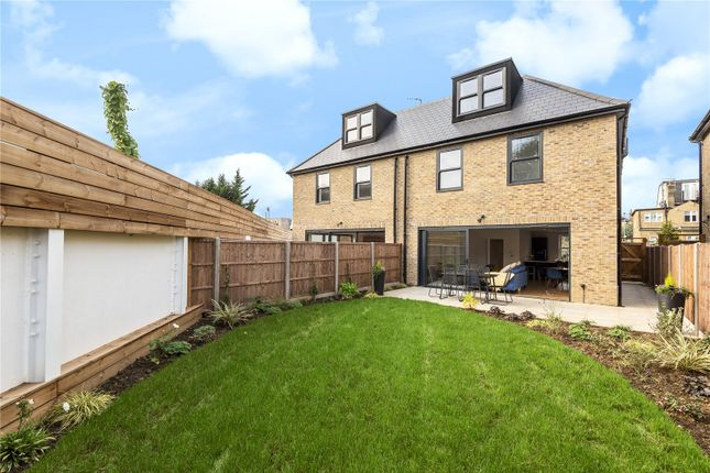Thumbnail Semi-detached house for sale in Victoria Road, Barnet