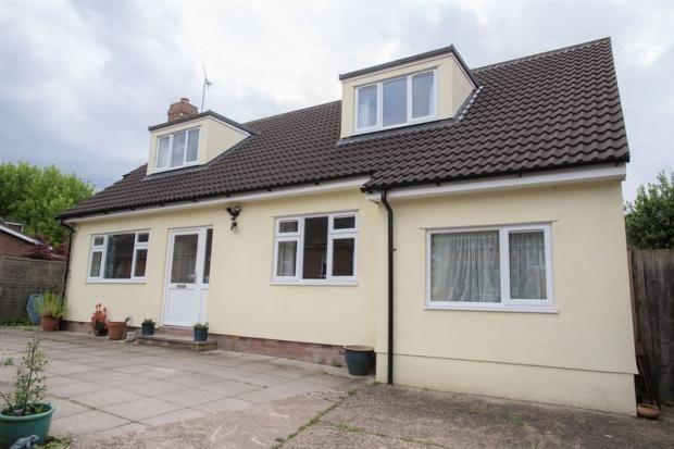 Thumbnail Detached bungalow to rent in Cornfield Road, Bury St. Edmunds