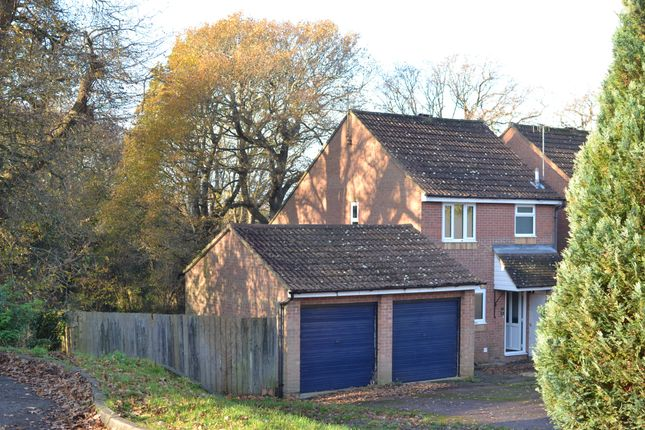 3 bed detached house to rent in Drapers Way, St. Leonards-On-Sea TN38