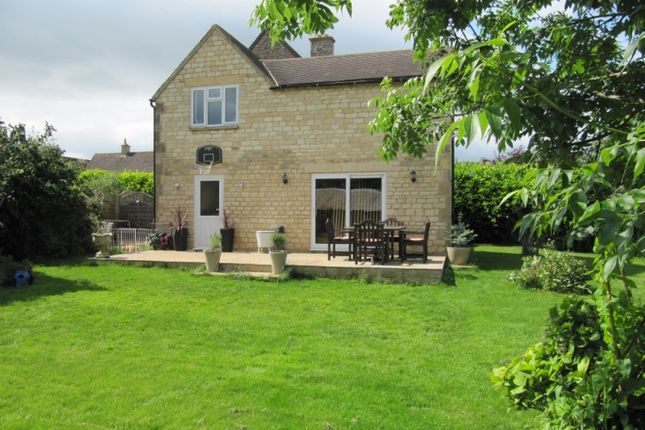 Thumbnail Semi-detached house for sale in Coronation Close, Chipping Campden