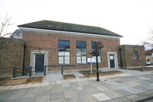 Thumbnail Flat to rent in Grange Road, Midhurst