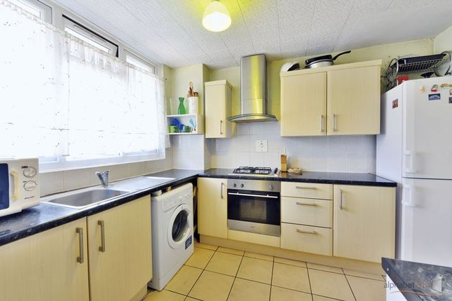 Thumbnail Duplex for sale in Salmon Lane, London