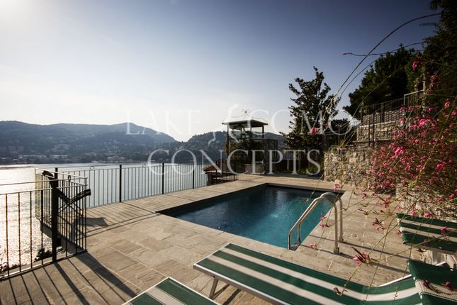 Thumbnail Villa for sale in Como (Town), Como, Lombardy, Italy