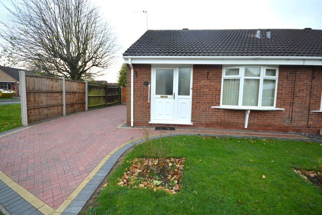 2 bed bungalow to rent in Shackleton Drive, Wolverhampton WV6