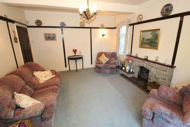 Lounge Aspect 2 of Fownhope Avenue, Sale M33