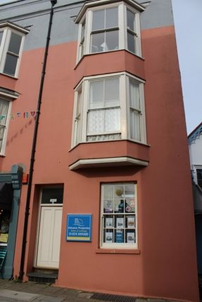 Thumbnail Flat to rent in 1 Bed Top Floor Flat, Lorne House, St Julian Street, Tenby