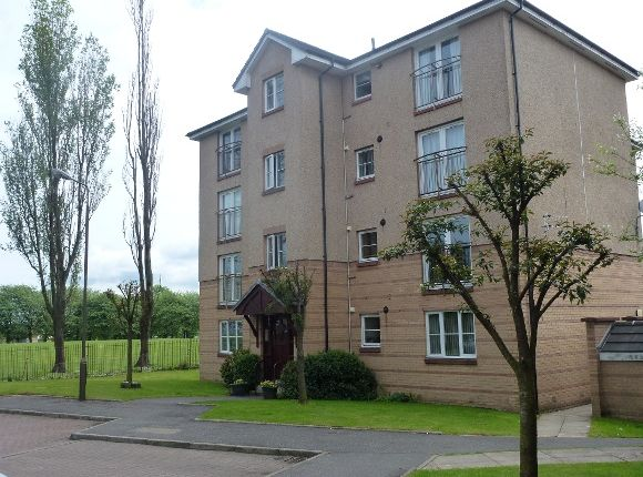 Thumbnail Flat to rent in Queens Court, Stenhousemuir, Larbert