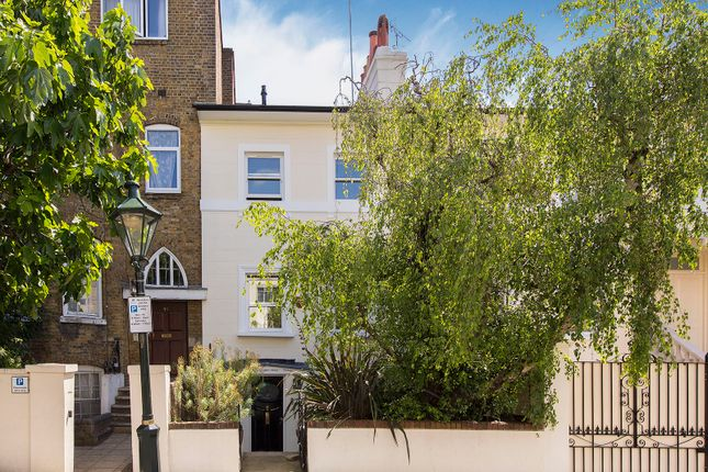 Thumbnail Terraced house for sale in Victoria Road, London