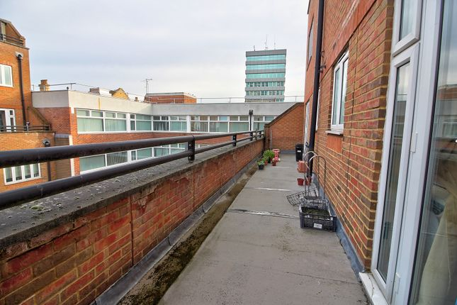 Balcony 3 of Cheapside, Reading RG1