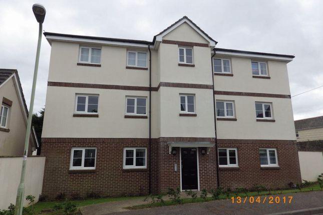 Thumbnail Flat to rent in Buckland Close, Bideford