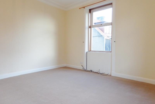 Thumbnail Flat to rent in Roseberry Terrace, Leven