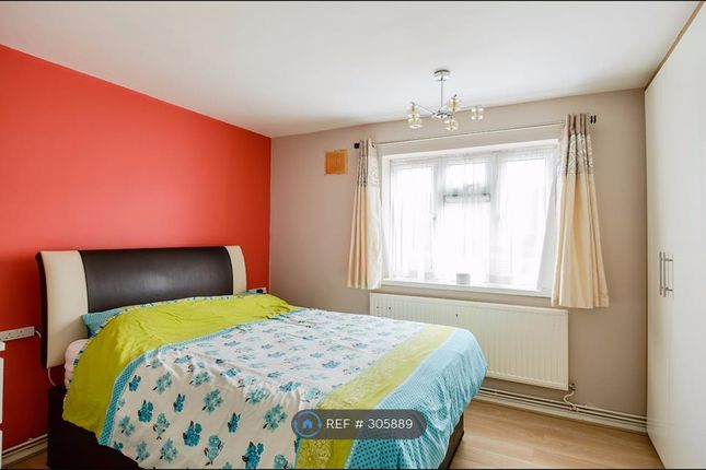 Thumbnail Flat to rent in Valley Hill, Loughton