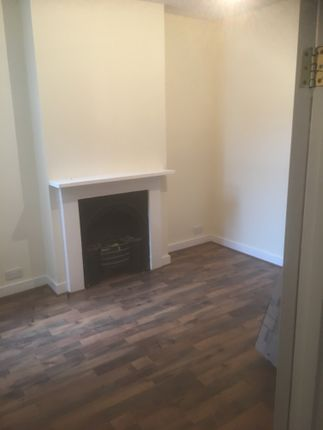 Thumbnail Terraced house to rent in Oregon Avenue, London