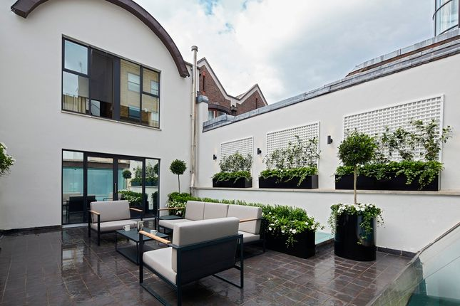 Thumbnail Town house to rent in Cheval Pl, Knightsbridge