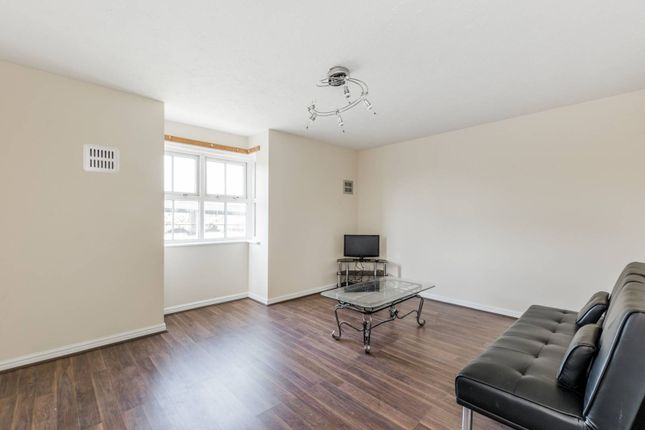 Thumbnail Flat to rent in Bluebell Way, Ilford