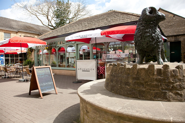 Thumbnail Restaurant/cafe for sale in A Long-Running And Well-Regarded Bistro GL7, Dyer Street, Gloucestershire