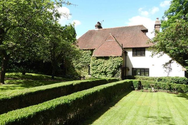 6 bed detached house for sale in Hazelwood Lane, Chipstead, Coulsdon